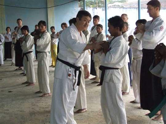 Homma Kancho teaching.