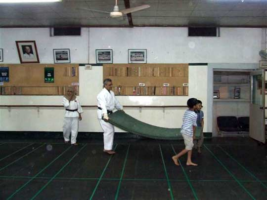 Quasi Sensei pitches in as a role model for the young.