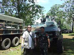 Philippine army soldier with Homma Kancho.