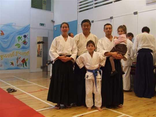 Simone Sensei and family with Homma Kancho.