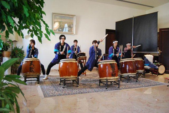 A first in the Kyougaku drummer's history; all women performance.