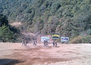 ph-135-S.NO.8-commando-group-showing-Demonstration-during-their-closing-Ceremony
