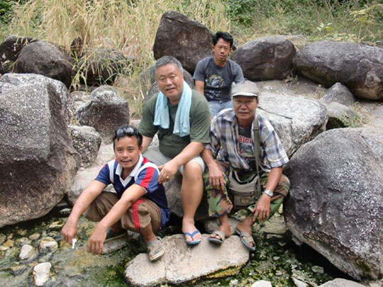 Homma Kancho and carpenters who worked on both Bilay House and Huaye Park at the springs
