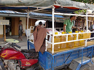 Buying rice and oil